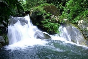 น้ำตกที่สวยและเป็นที่รู้จักของนักท่องเที่ยว