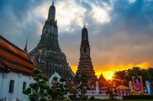 วัดชื่อดังของเมืองไทยที่ชาวต่างชาติรู้จักกันดี