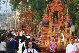 ประเพณีชื่อดังที่สำคัญของเมืองเชียงราย ท่องเที่ยวไทย
