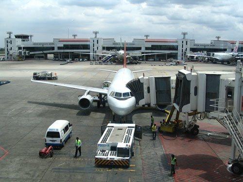 ข้อควรปฎิบัติที่ถูกเมื่อท่านต้องใช้บริการที่สนามบิน