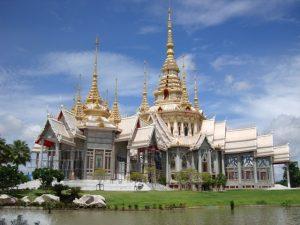 วัดดังในโคราช นครราชสีมา ที่มีชื่อเสียงและเป็นที่นิยมมากราบไหว้ ของชาวไทย