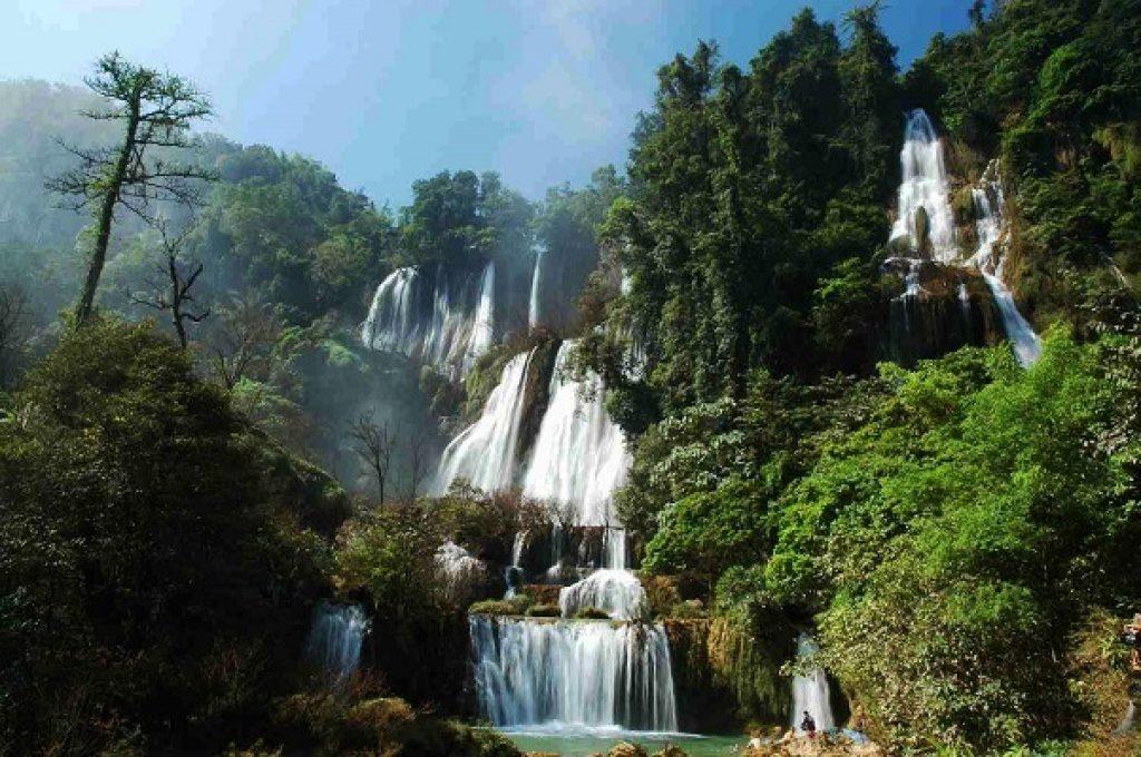 สถานที่ท่องเที่ยวยอดนิยมในจังหวัดตาก-น้ำตกทีลอซู
